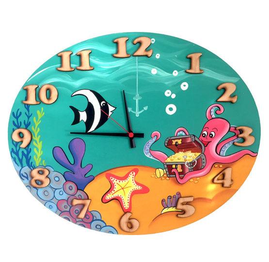 Tiko-dekorace   Dětské dřevěné nástěnné hodiny s motivem podpořského světa s tichým chodem, ručně malované, na jednu tužkovou baterii, česká kvalita a ruční práce.